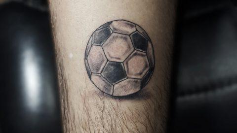 futbol-topu-dovmesi